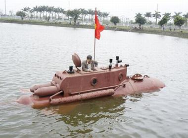 Tàu ngầm Trường Sa mini thử nghiệm trong hồ