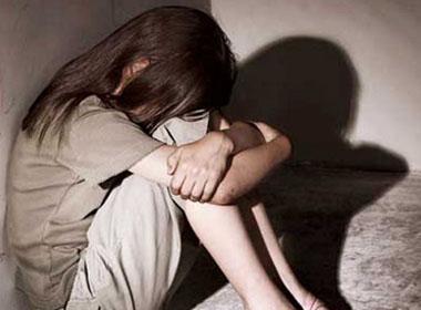 Xót xa thiếu nữ xinh đẹp hóa tâm thần vì bị cướp đời con gái