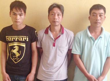 'Mây mưa' trong cơ sở tẩm quất, 4 cặp đôi mua bán dâm bị bắt quả tang