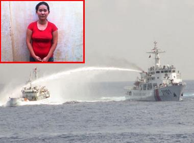 NÓNG 24h: Hai tàu Trung Quốc tự 'đấu phun nước' vào nhau; Xét xử bảo mẫu đạp chết bé trai