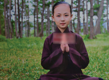 Một cô bé Việt Nam nhớ rõ chuyện từ… ba kiếp trước