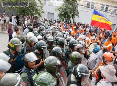 Đại sứ quán Việt Nam tại Campuchia bị quấy rối