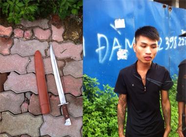 Thanh niên xăm trổ mang kiếm dài nửa mét, bị 141 bắt giữ