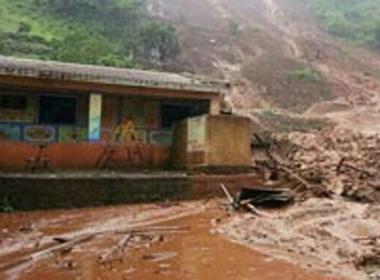 Lở đất ở Ấn Độ vùi lấp hơn 150 người