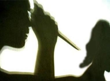 Nam thanh niên dùng dao đâm chết mẹ kế
