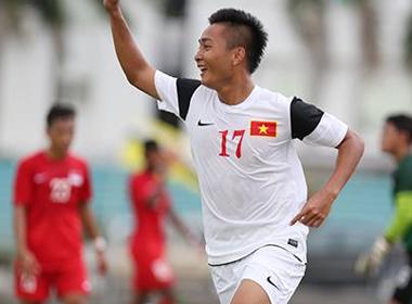 Em họ Văn Quyến lập cú đúp, U19 Việt Nam đại thắng U21 Singapore