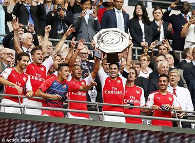 Vùi dập Man City, Arsenal xứng đáng đoạt siêu cúp Anh