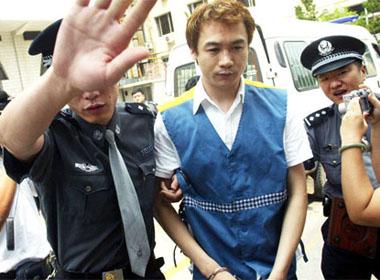 Diễn viên 'Thiên long bát bộ' bị bắt vì dùng ma túy