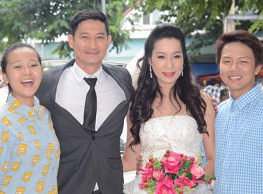 Huy Khánh lộ ảnh làm 'đám cưới' với Trịnh Kim Chi