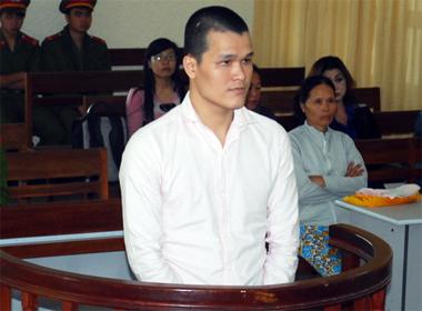Nhân viên vũ trường đâm chết đồng nghiệp lĩnh 8 năm tù