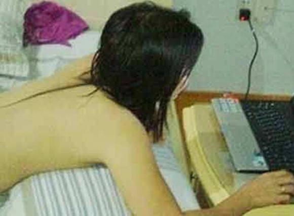 Thiếu nữ biến thành 'con ma khát dục' hằng đêm