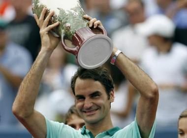 Federer đoạt danh hiệu vô địch thứ 80