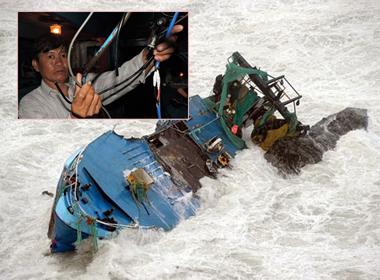 NÓNG 24h: Thêm tàu Việt bị Trung Quốc đập phá tại Hoàng Sa; Chìm du thuyền ở Indonesia