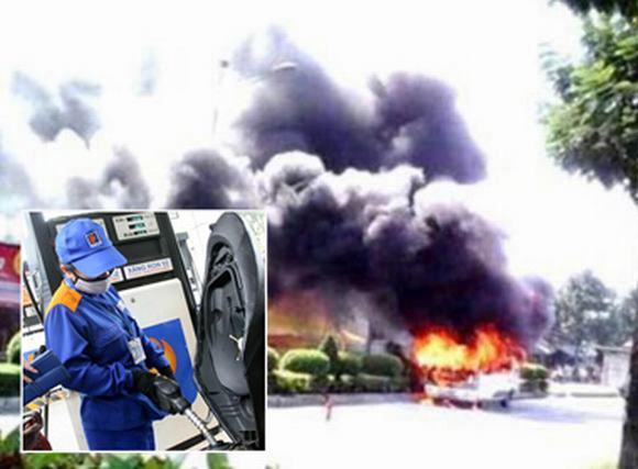 NÓNG 24h: Xe khách bốc cháy ngùn ngụt; Giá xăng tiếp tục giảm