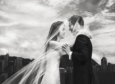 Lộ ảnh cưới của Thang Duy với đạo diễn Hàn Quốc