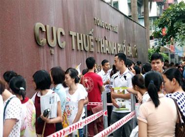 Không có chuyện chấm dứt hợp đồng 10.000 cán bộ ở Hà Nội