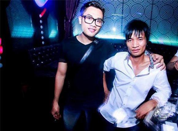'Ca sĩ' Lệ Rơi bất ngờ xuất hiện ở bar tại Hà Nội