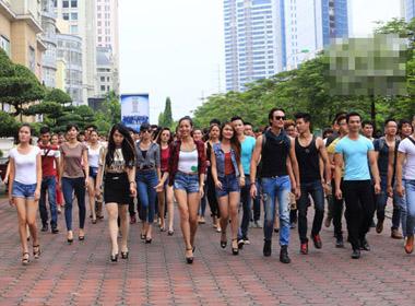 Việt Nam Next Top Model 2014: Hàng ngàn thí sinh nô nức đi casting