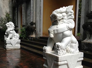 Di dời linh vật ngoại lai ở đền, chùa trước Tết nguyên đán