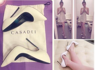 Ngọc Trinh khoe giày mới hiệu Casadie 'đụng hàng' sao Hollywood