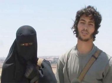 Nữ chiến binh Hồi giáo thề sẽ chặt đầu tù nhân Anh hoặc Mỹ