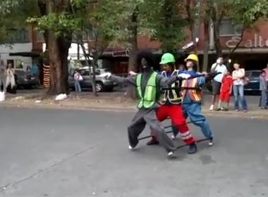Video điệu nhảy Michael Jackson ấn tượng trên đường phố