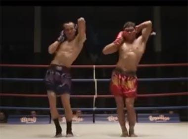Clip màn giao lưu lạ đời giữa hai võ sĩ