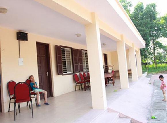 Trẻ em chùa Bồ Đề quây quần trong ngôi nhà mới