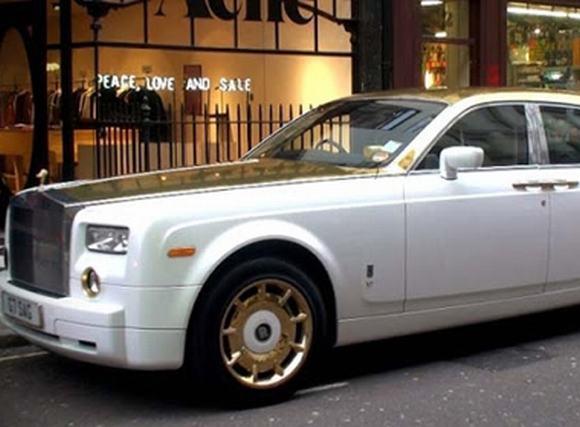 Rolls Royce Phantom bọc 120kg vàng khối và đá quý trị giá 170 tỷ đồng