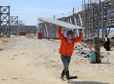 Vì sao tuyển gần 1 vạn lao động Trung Quốc ở Vũng Áng?