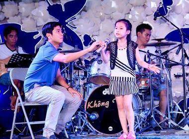 Giọng hát Việt nhí liveshow 2: Huấn luyện viên 'chạy nước rút' cùng trò cưng