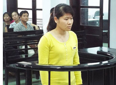Tham ô, nữ CSGT lĩnh 14 năm tù