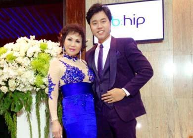 Vũ Hoàng Việt tự hào vì người tình U60 được 'nhiều người yêu'