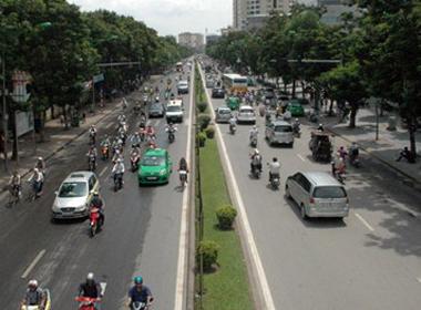 Cấm xe đường Cầu Giấy-Xuân Thủy, người dân về nhà cách nào?