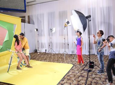 Vietnam's next top model 2014: Hot boy 8 múi diễn cảnh tình tứ với bạn diễn