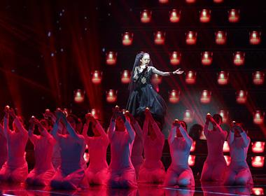 Nhân tố bí ẩn vòng Liveshow 5: 'Con cầu xin'-Giang Hồng Ngọc