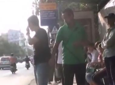 Video móc túi tại bến xe