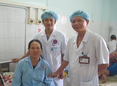 Phẫu thuật thành công cho bênh nhân có khối u chứa xương và lông