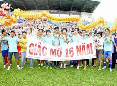 Thực trạng bóng đá Việt Nam: 3 năm 9 đội giải thể