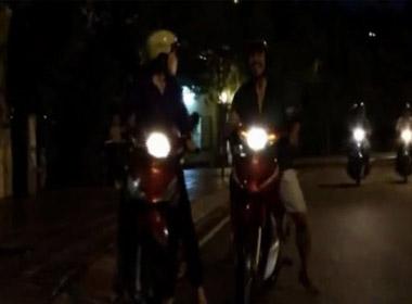 Clip: Kẻ 'nghiện' vờ hỏi tiền để cướp tiền ở TP.Hồ Chí Minh