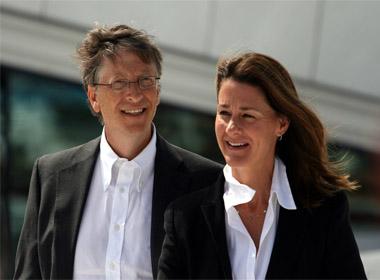 Vợ chồng Bill Gates ủng hộ 50 triệu USD để chống lại dịch Ebola