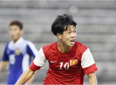 Trận chung kết U19 Việt Nam cần một Công Phượng chơi đồng đội
