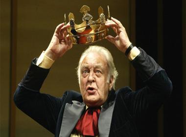Diễn viên Sir Donald Sinden qua đời ở tuổi 90
