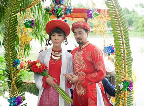'Cô dâu' Long Nhật nghẹn ngào theo chồng về dinh