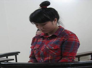 'Tập làm tú bà' chăn dắt gái dù mới 16 tuổi