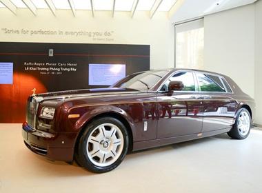 Hai nghi vấn nữ chủ nhân bí ẩn Rolls Royce Ngôi sao Phương Đông