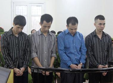 4 công an xã đánh chết người: Các bị cáo thay nhau tra tấn nạn nhân