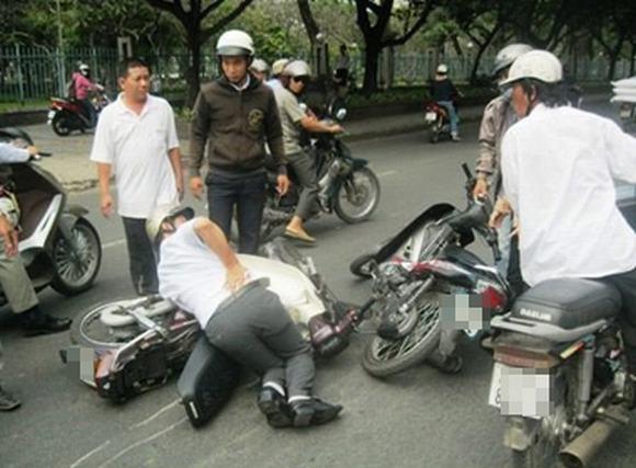 'Bóng ma đại lộ' với thủ đoạn 'chém trước cướp sau'