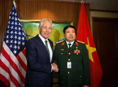Mỹ cần bán vũ khí sát thương cho Việt Nam?