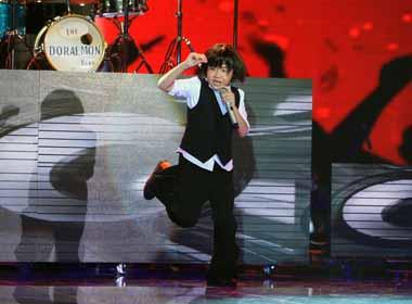 Giọng hát Việt nhí: Hoàng Anh bất ngờ biến thành 'Bóng ma trong nhà hát'